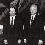 Alates 1991 Egbert Frederik Jacobs   Fotol Jacobs (vasakul) ja EV Ülemnõukogu esimees Arnold Rüütel Foto: EV välisministeerium, Voldemar Maask