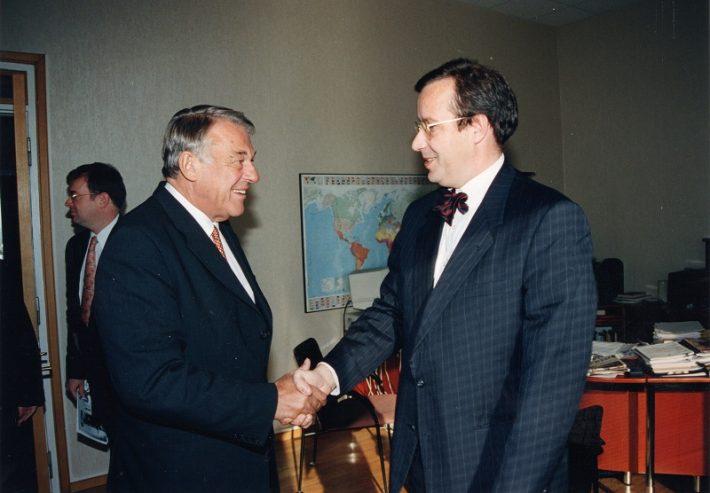 Van Mierlo (vasakul) ja Eesti välisminister Toomas Hendrik Ilves Foto: EV välisministeerium