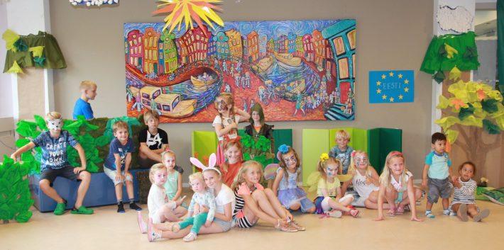 Op de foto: leerlingen van de Estse School in Nederland