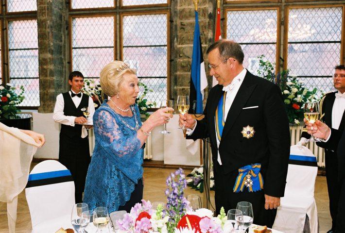 Op de foto: koningin Beatrix en de Estse president Toomas Hendrik Ilves. Foto: Ests ministerie van Buitenlandse Zaken