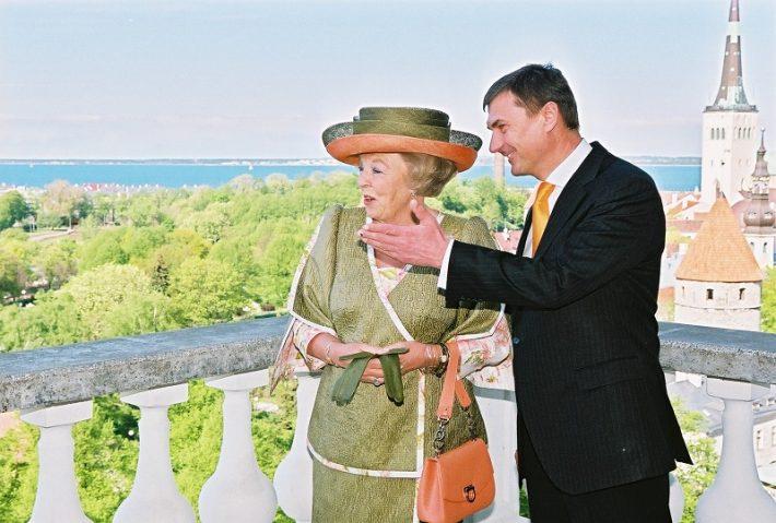 Fotol Beatrix ja Eesti peaminister Andrus Ansip Toompeal Foto: Eesti saatkond Haagis