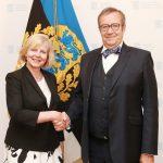 Alates 2016 Karen van Stegeren   Fotol volikirjade üleandmisel president Toomas Hendrik Ilvesele.  Foto: EV välisministeerium, Erik Peinar